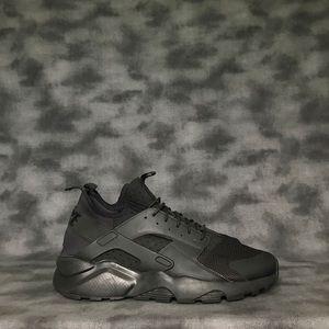 Nike Air Huarache Run Ultra Black Sneakers